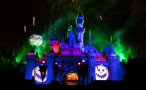 Headless Horseman Haunts Mickey's Party as Halloween Time Returns