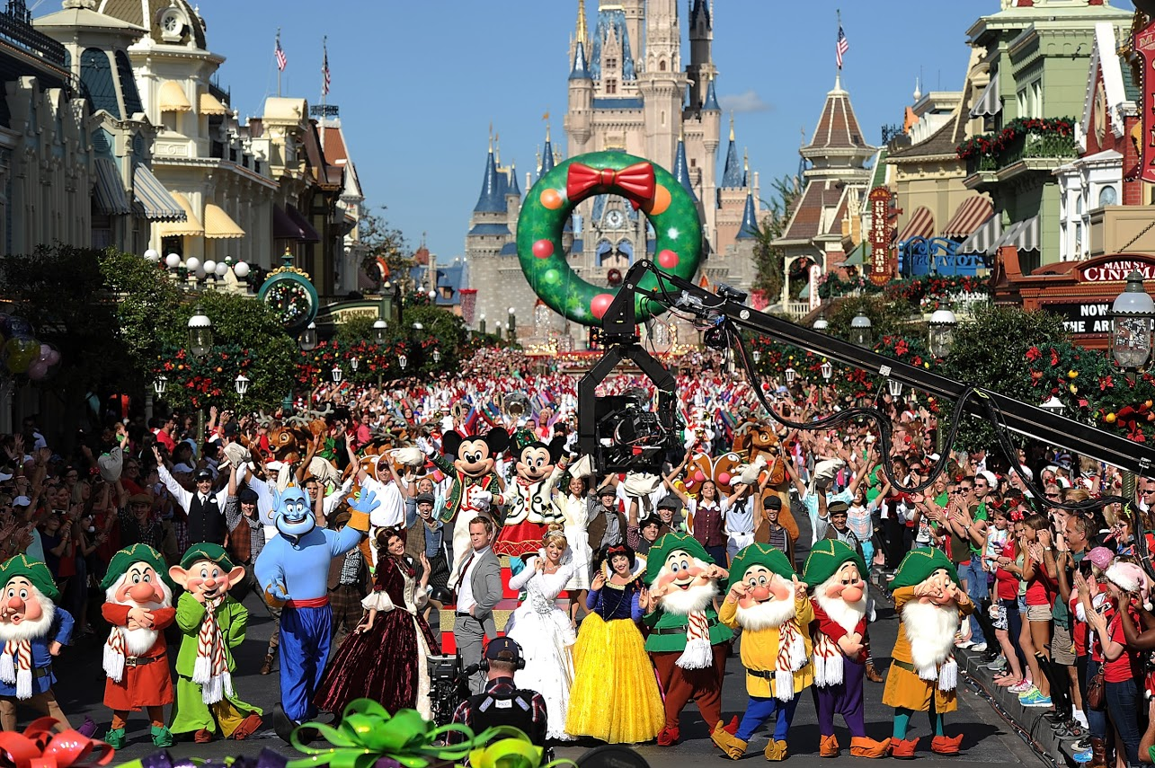 Disney and Florida Attractions News Blog: Christmas Day Parade ...