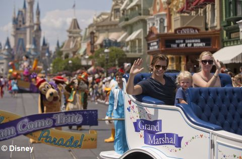 Dan_Wheldon_at_Disney_World.jpg