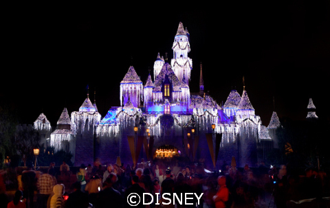 Disneyland_Castle_holidays.jpg