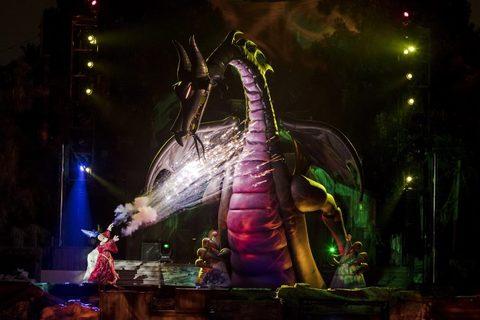 'Fantasmic!' Returns to Disneyland