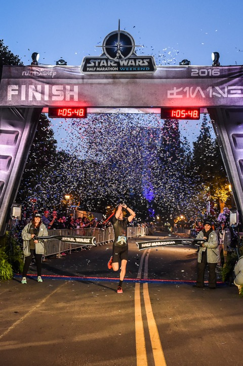 Nick Arciniaga wins 2016 Star Wars Half Marathon