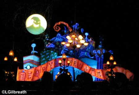 Haunted-Mansion-Holiday3.jpg