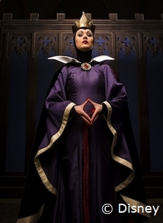 evil-queen-storybook-dining-wilderness-lodge.jpg