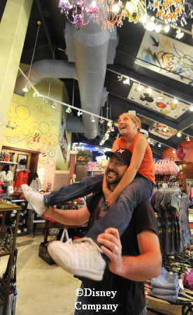 Joey Fatone at Tren-D Downtown Disney