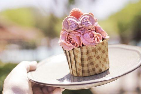 millennial-pink-mara-cupcake.jpg