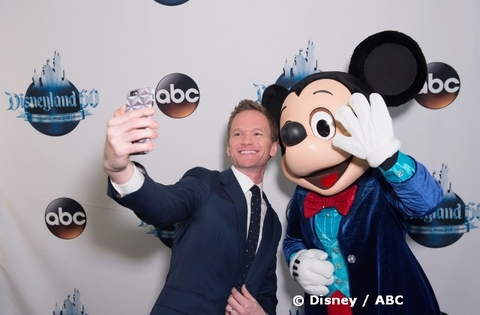 neil-patrick-harris-with-mickey-mouse.jpg