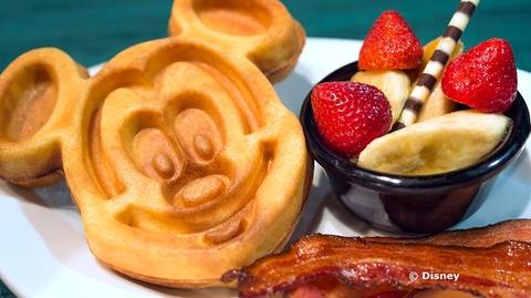 sci-fi-dine-in-breakfast-waffle.jpg