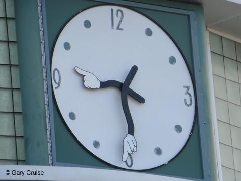 Mickey_Clock