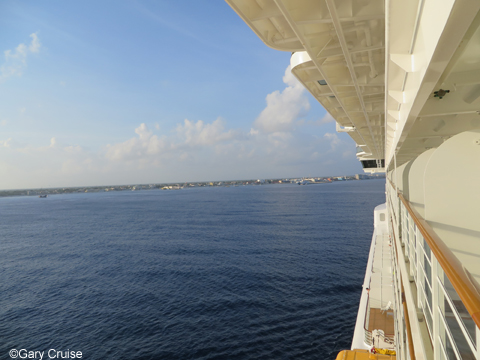 Cozumel_in_the_distance