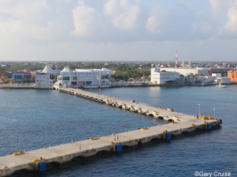 Nearing_the_Cozumel_wharf
