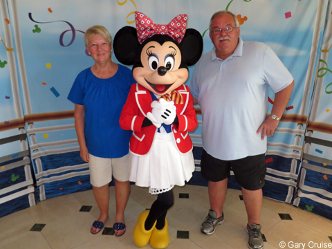 Carol_and_Gary_with_Minnie
