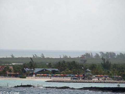 Nearing_Castaway_Cay