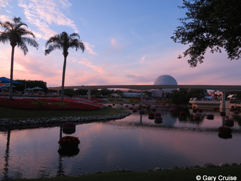 Sunset_at_EPCOT