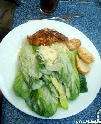 Cafe Orleans Salad
