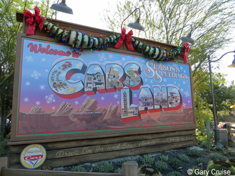 Cars_Land_Entrance