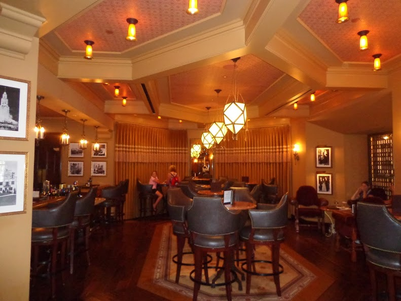 Carthay Circle Lounge
