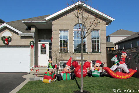 stay on property - Disney Inflatable Christmas Decorations