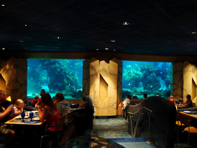 Coral Reef Dining Room3