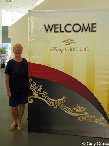 Disney_Cruise_Line_Entrance