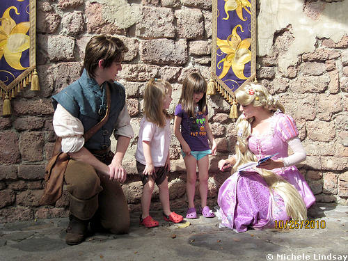 Flynn and Rapunzel Play and Greet