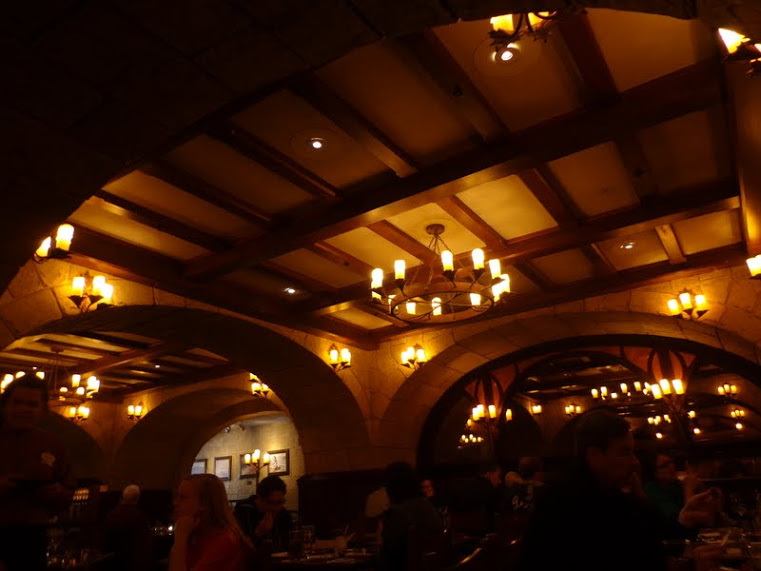 Le Cellier Dining Room2
