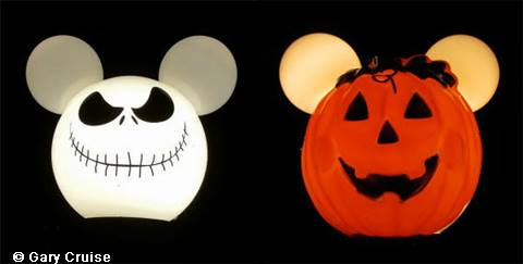 Mickey_Lamp_Halloween_3.jpg