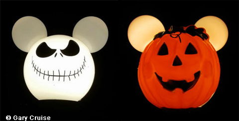 Halloween Mickey Lamp Post