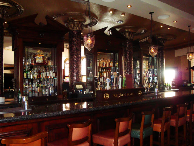 Raglan Road Bar