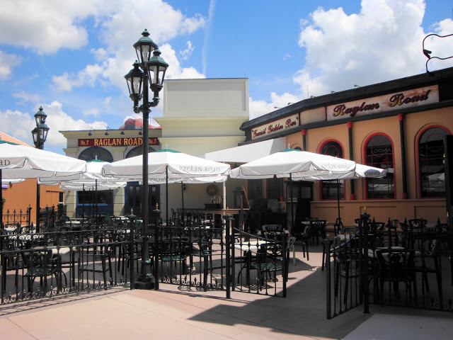 Raglan Road Outdoor Seating
