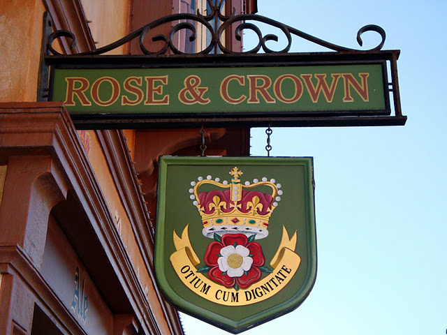 Rose and Crown Signage