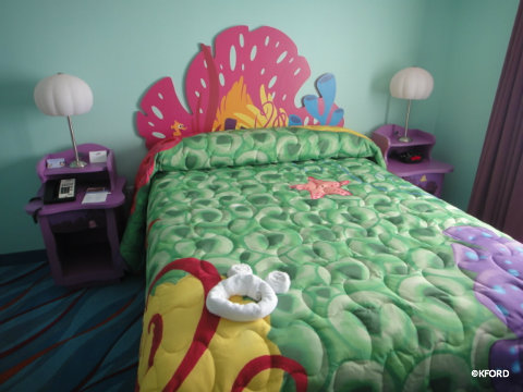 art-of-animation-master-bedroom.jpg