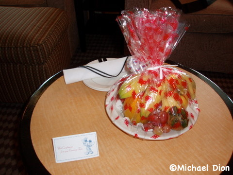 Disney Wonder Category 3 Cabin #8032 Fruit Basket