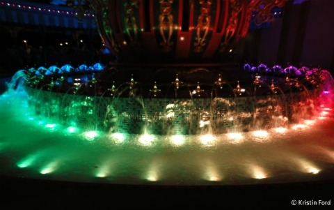 dumbo-fountain-lights-photo.jpg