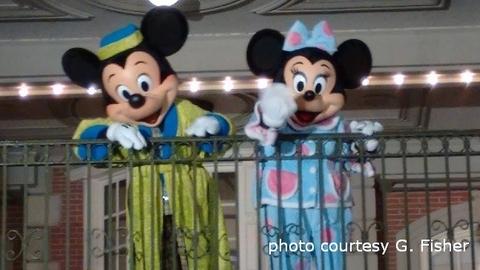 dvc-moonlight-magic-minnie-mickey.jpg