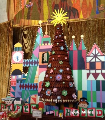 holiday-splendor-gingerbread-tree.jpg