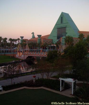 Walt Disney Worldl Dolphin