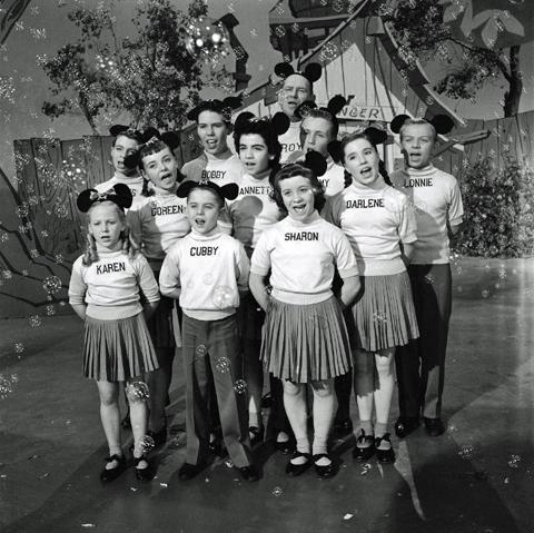Mouseketeers Sing