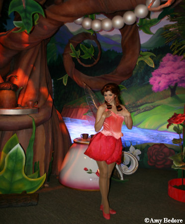[Disneyland Park] Pixie Hollow: Tinker Bell & Her Fairy Friends (Octobre 2008) Pixiehallow13b