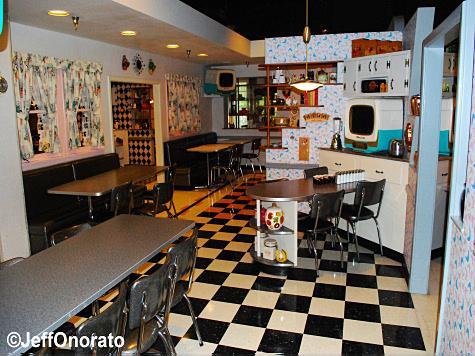 pt_dining_room1.jpg