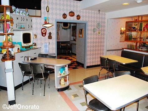 pt_dining_room2.jpg
