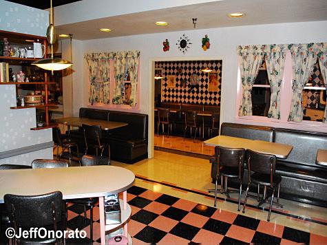 pt_dining_room3.jpg
