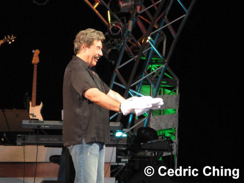 Tony Orlando conducting music