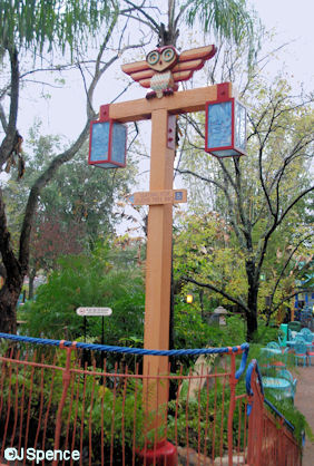 Owl and Bunny Lamppost