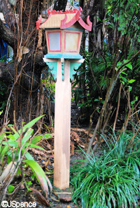 Asian Ornamental Lamppost