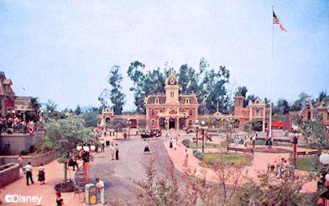 Disneyland City Hall