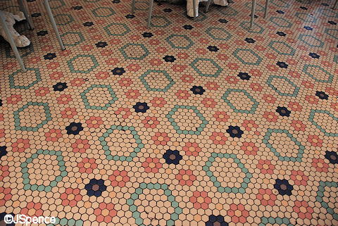 Beaches & Cream Floor Tiles