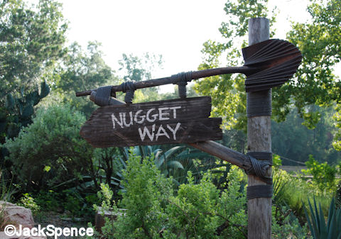 Nugget Way Sign