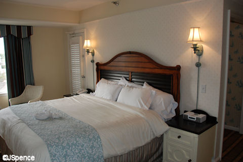 The Room Had A Standalone Chest Of Drawers It S Interesting To Note At Yacht Club Coffee Maker Sat Atop Similar But Beach