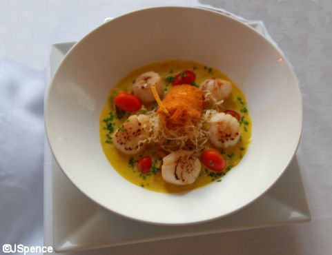 Seared Sea Scallops and Stewed Fennel with Seafood Safranned Jus